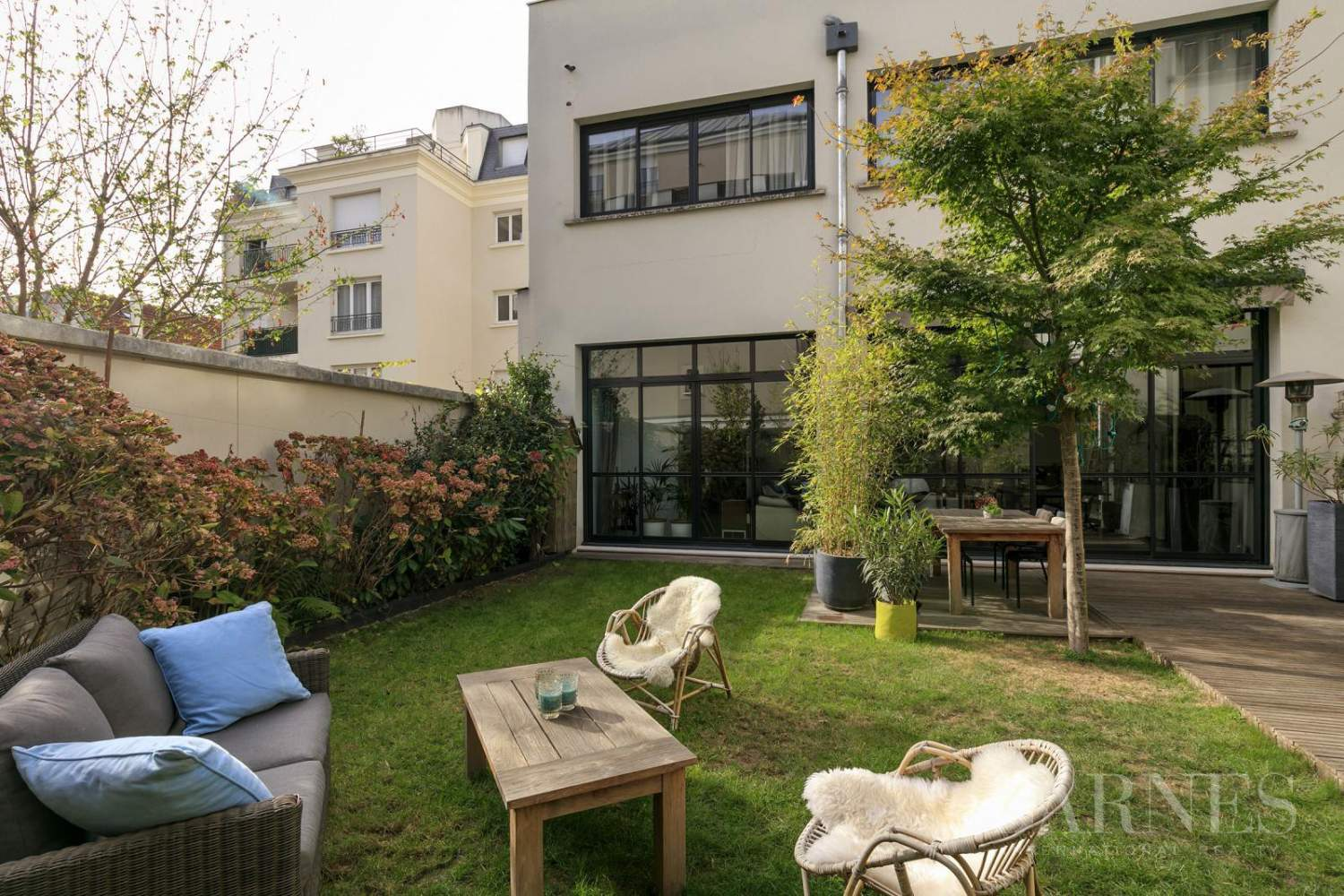 LA GARENNE COLOMBES LOFT APARTMENT WITH GARDEN AND TERRACE picture 1