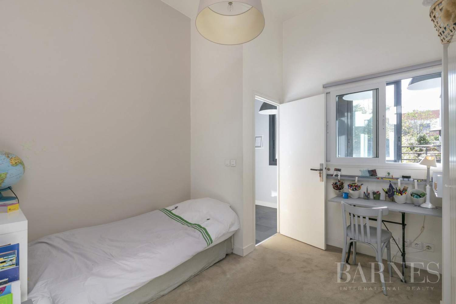 LA GARENNE COLOMBES LOFT APARTMENT WITH GARDEN AND TERRACE picture 5