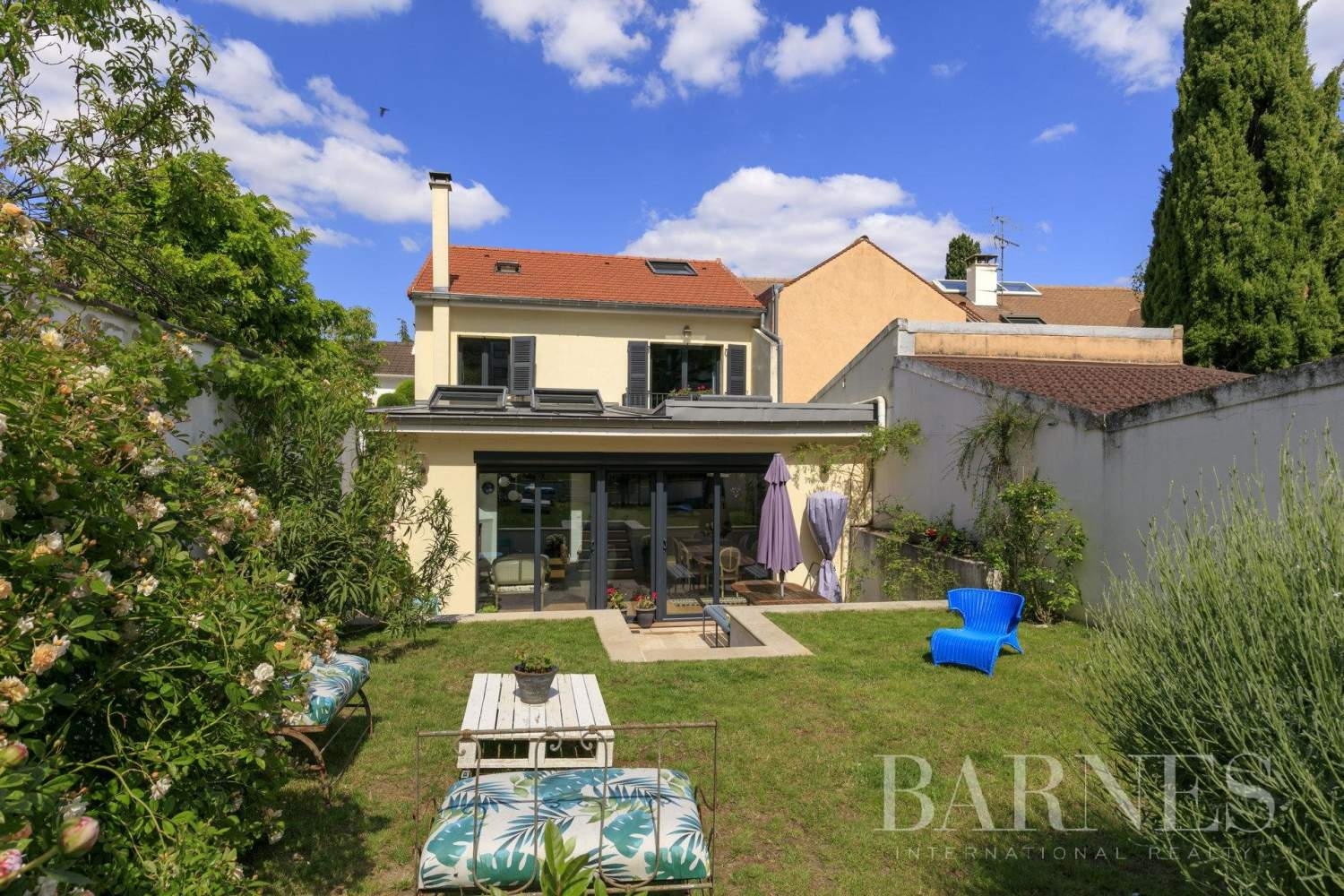 Suresnes  - House 4 Bedrooms - picture 1