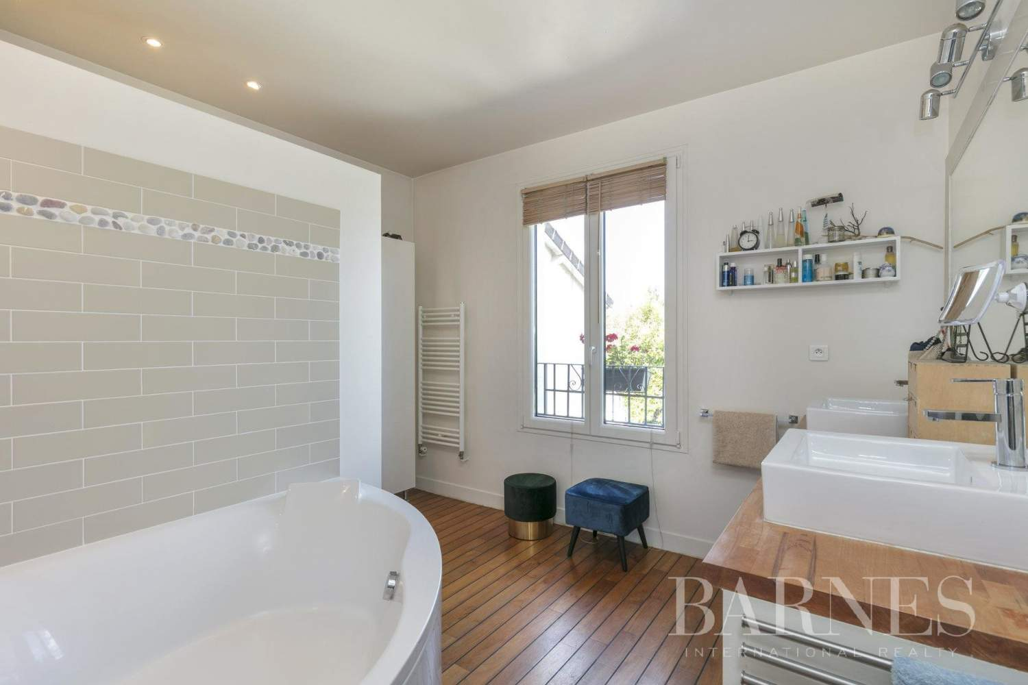 Suresnes  - House 4 Bedrooms - picture 13
