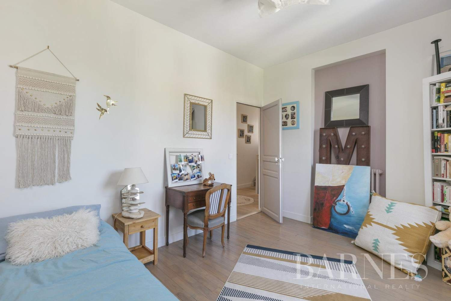 Suresnes  - House 4 Bedrooms - picture 12