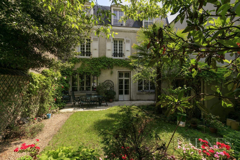 Asnières-sur-Seine  - Hôtel particulier 8 Pièces 6 Chambres - picture 1