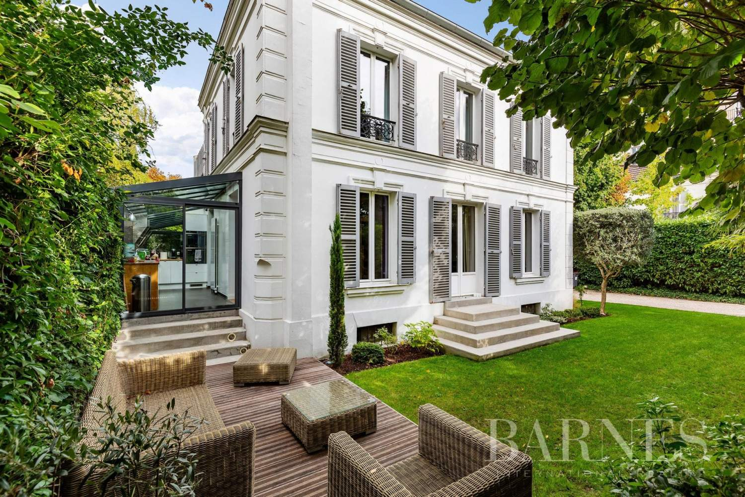 Asnières-sur-Seine  - Mansion 5 Bedrooms - picture 1