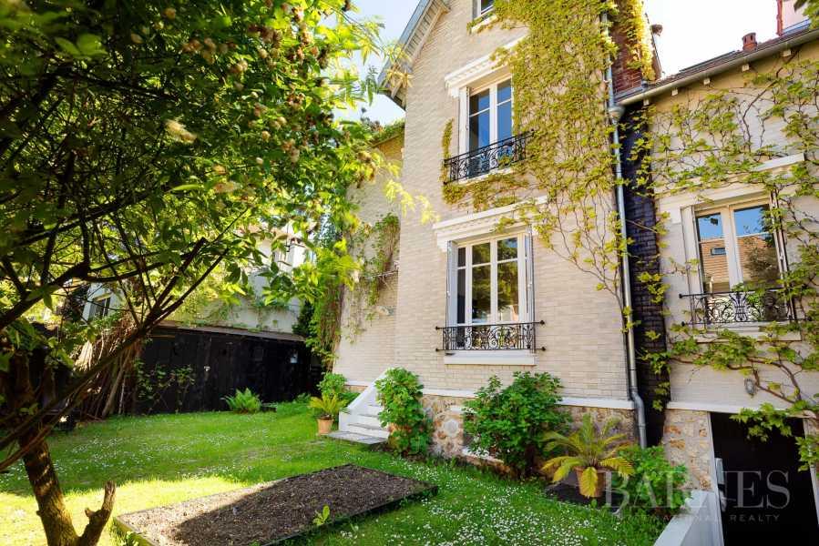 Saint-Cloud  - Maison 6 Pièces 4 Chambres