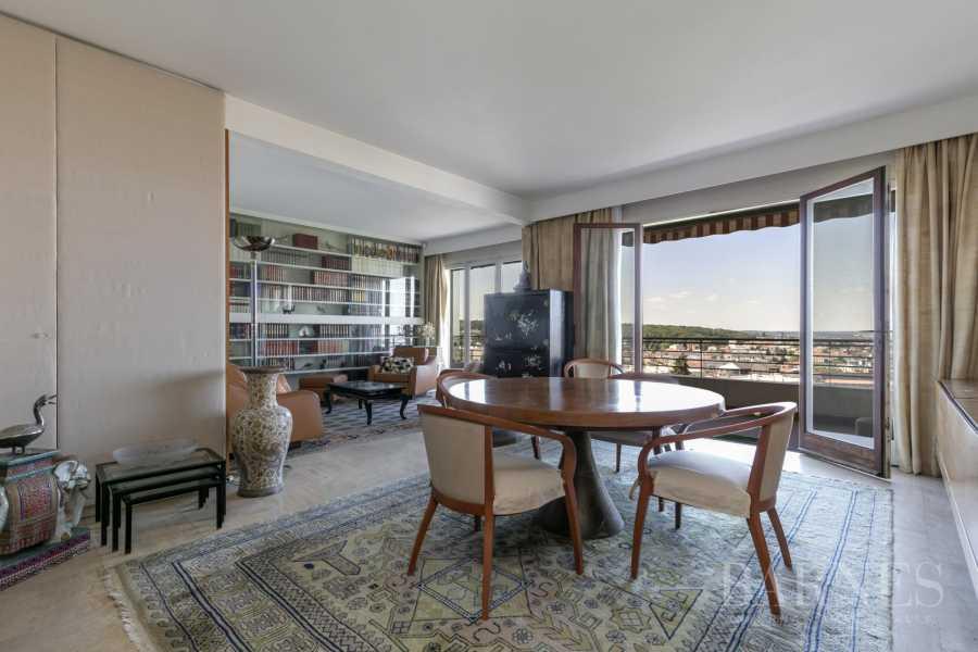 Clamart  - Appartement 5 Pièces 3 Chambres