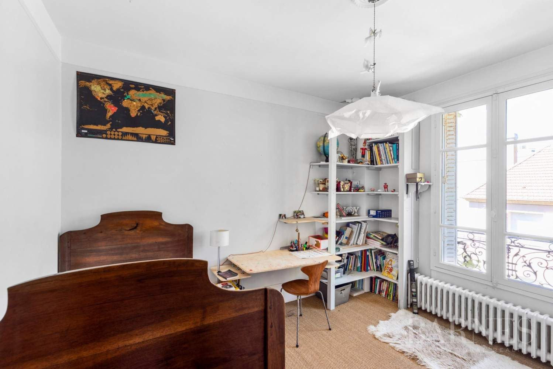 Saint-Cloud  - Maison 6 Pièces 4 Chambres - picture 11