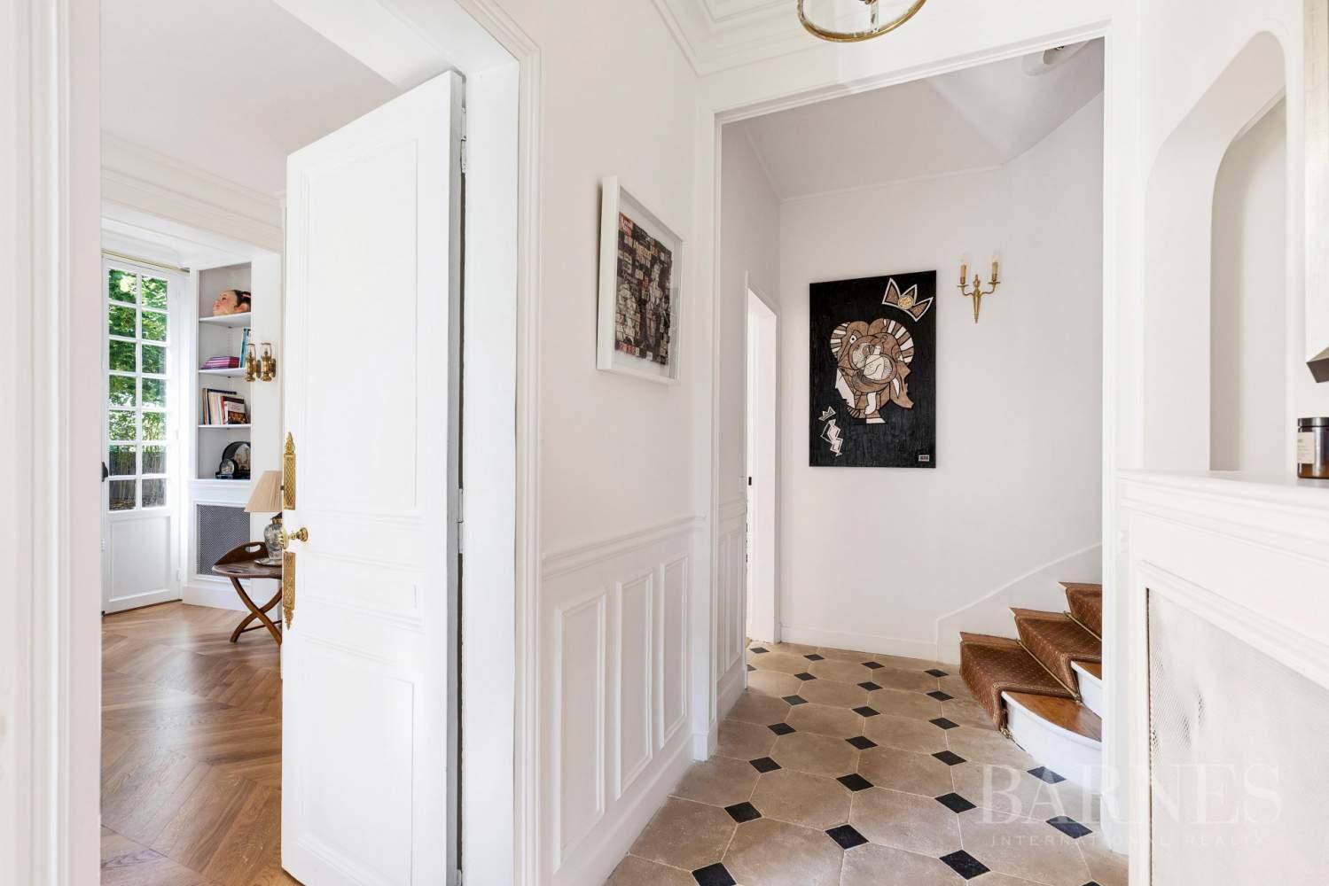 Garches  - Maison 9 Pièces 4 Chambres - picture 2
