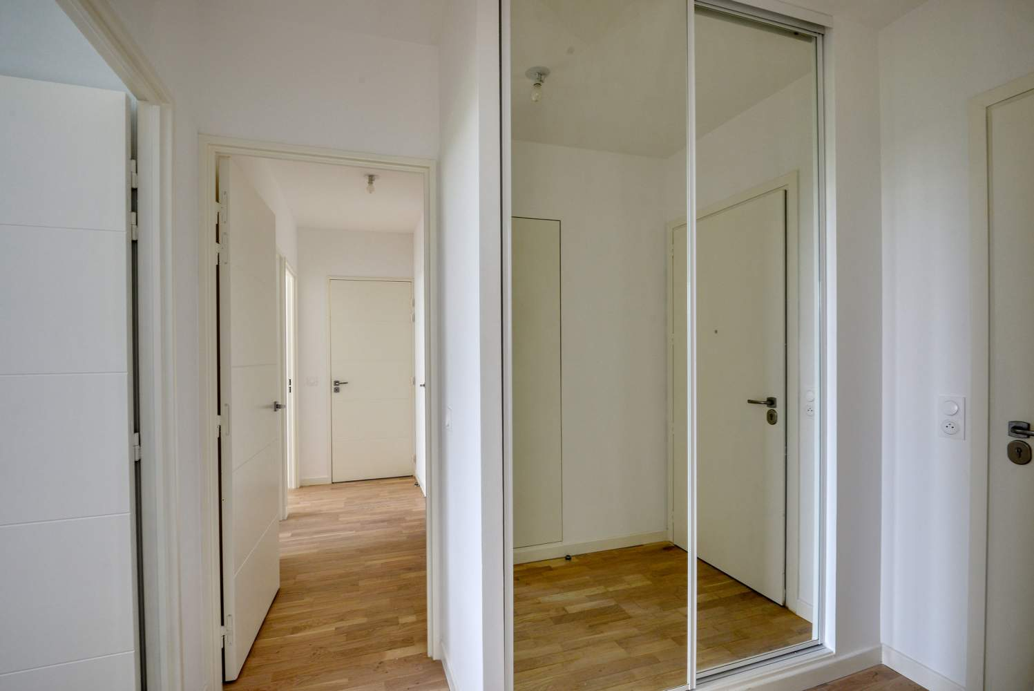 Garches  - Appartement 4 Pièces 3 Chambres - picture 5