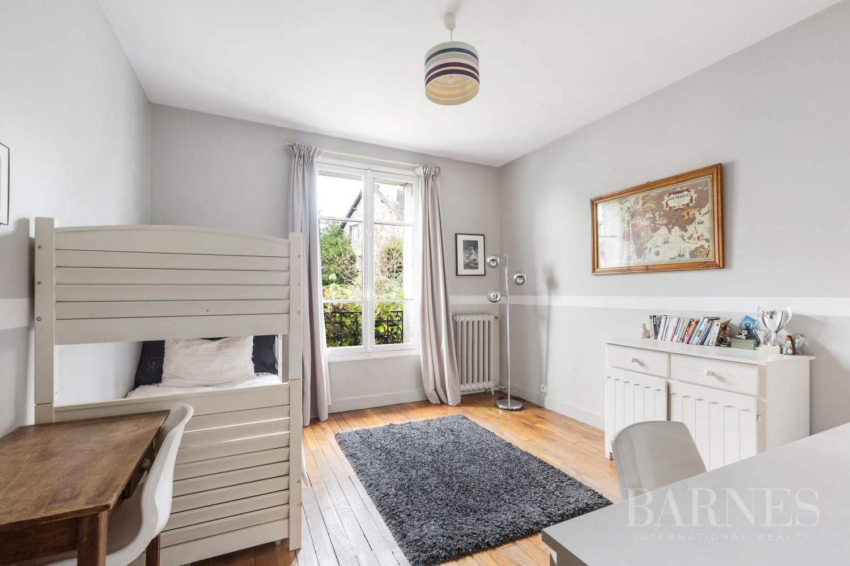 Saint-Cloud  - Maison 8 Pièces 5 Chambres - picture 10