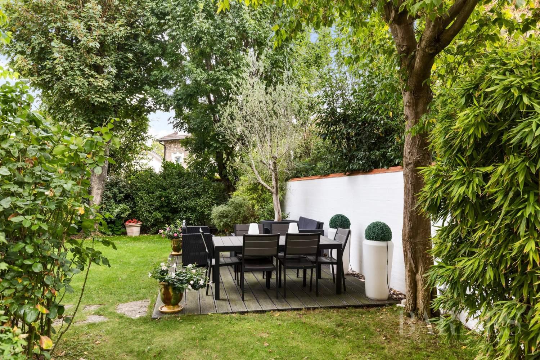 Saint-Cloud  - Maison 8 Pièces 5 Chambres - picture 15