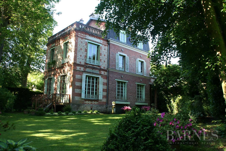 Vaucresson  - Maison 8 Pièces 4 Chambres - picture 1