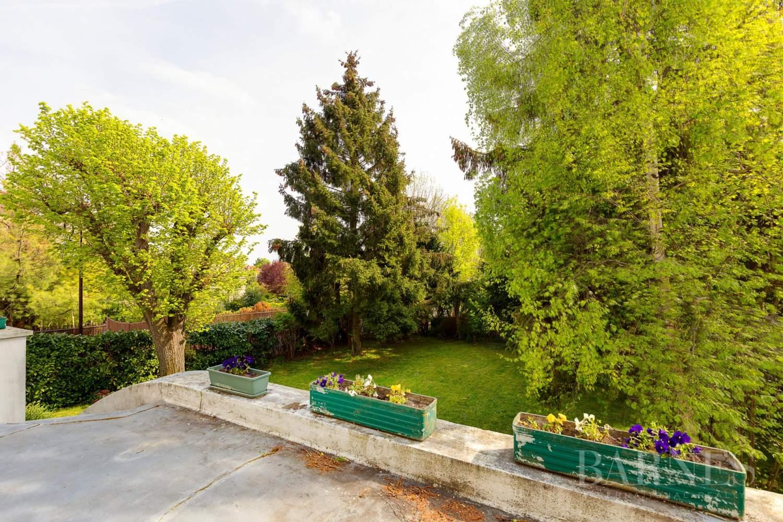 Saint-Cloud Montretout, maison 1930 de 286 m² habitables sur terrain sud 792 m² picture 2