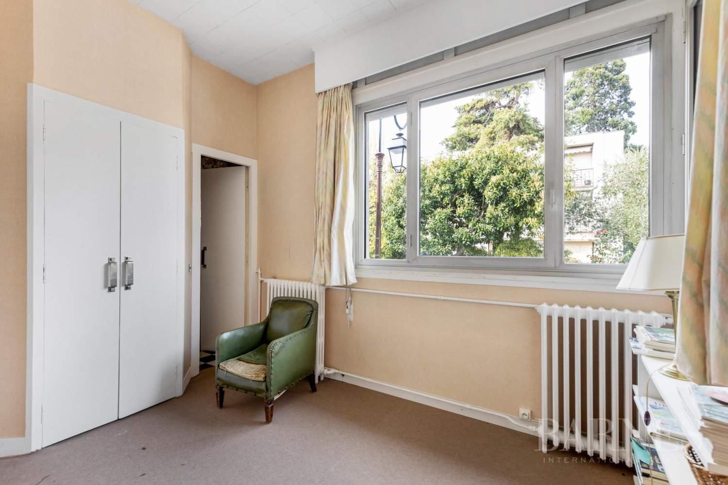 Saint-Cloud Montretout, maison 1930 de 286 m² habitables sur terrain sud 792 m² picture 9