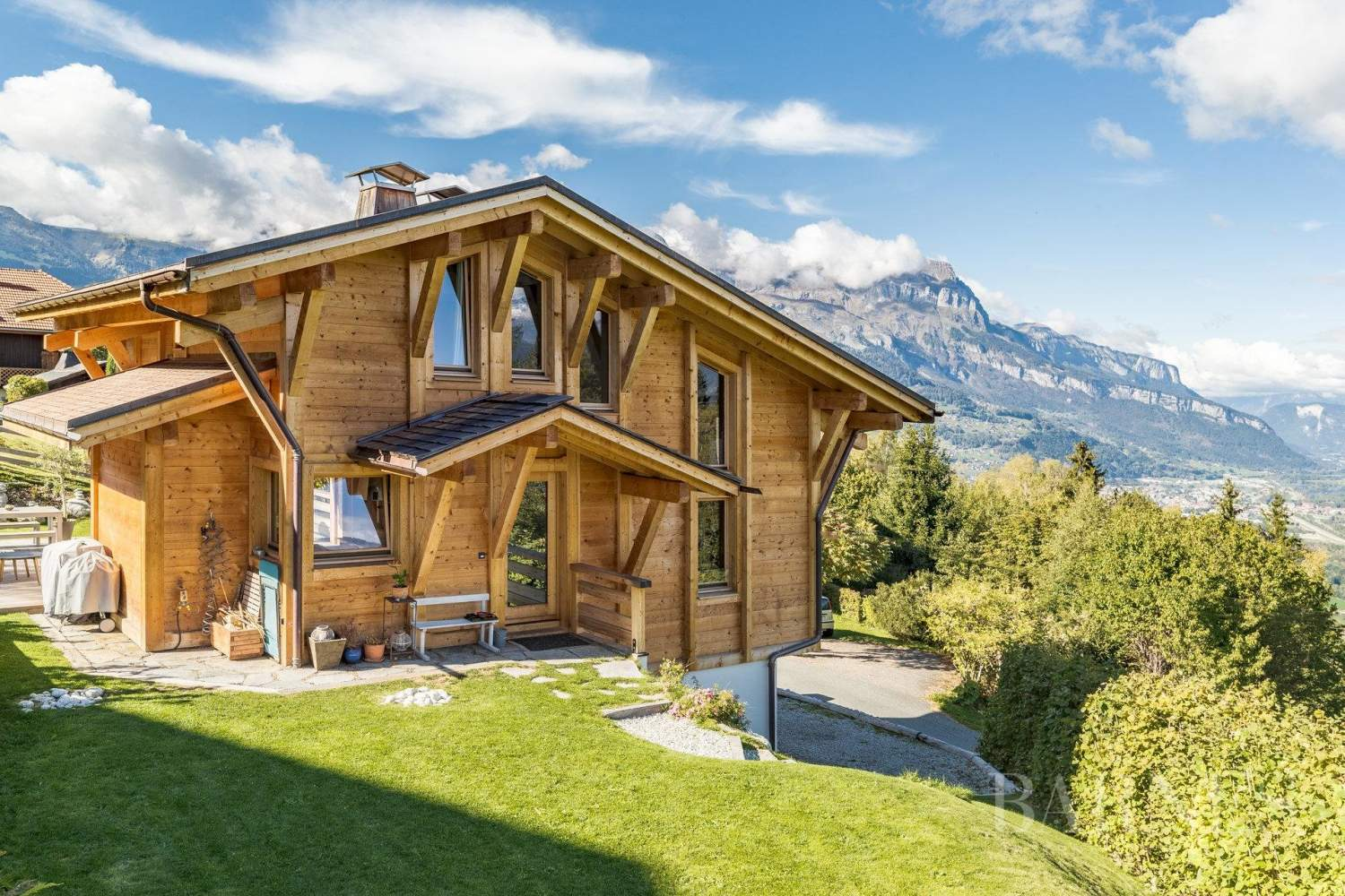 Combloux ? 135 m2 Brondex chalet with panoramic views picture 1