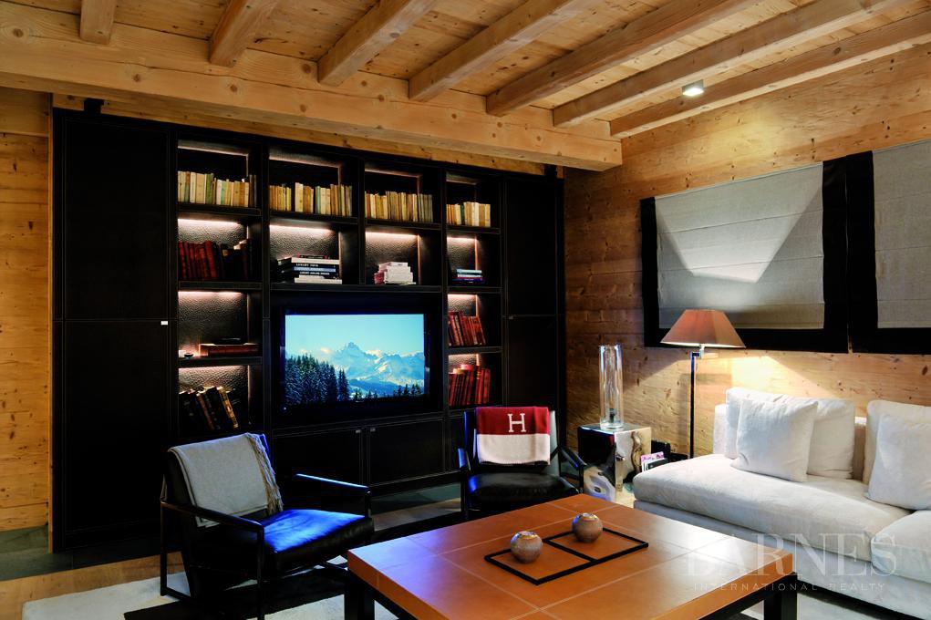 chalet de 750 m² sur le domaine skiable et proche du Golf picture 12