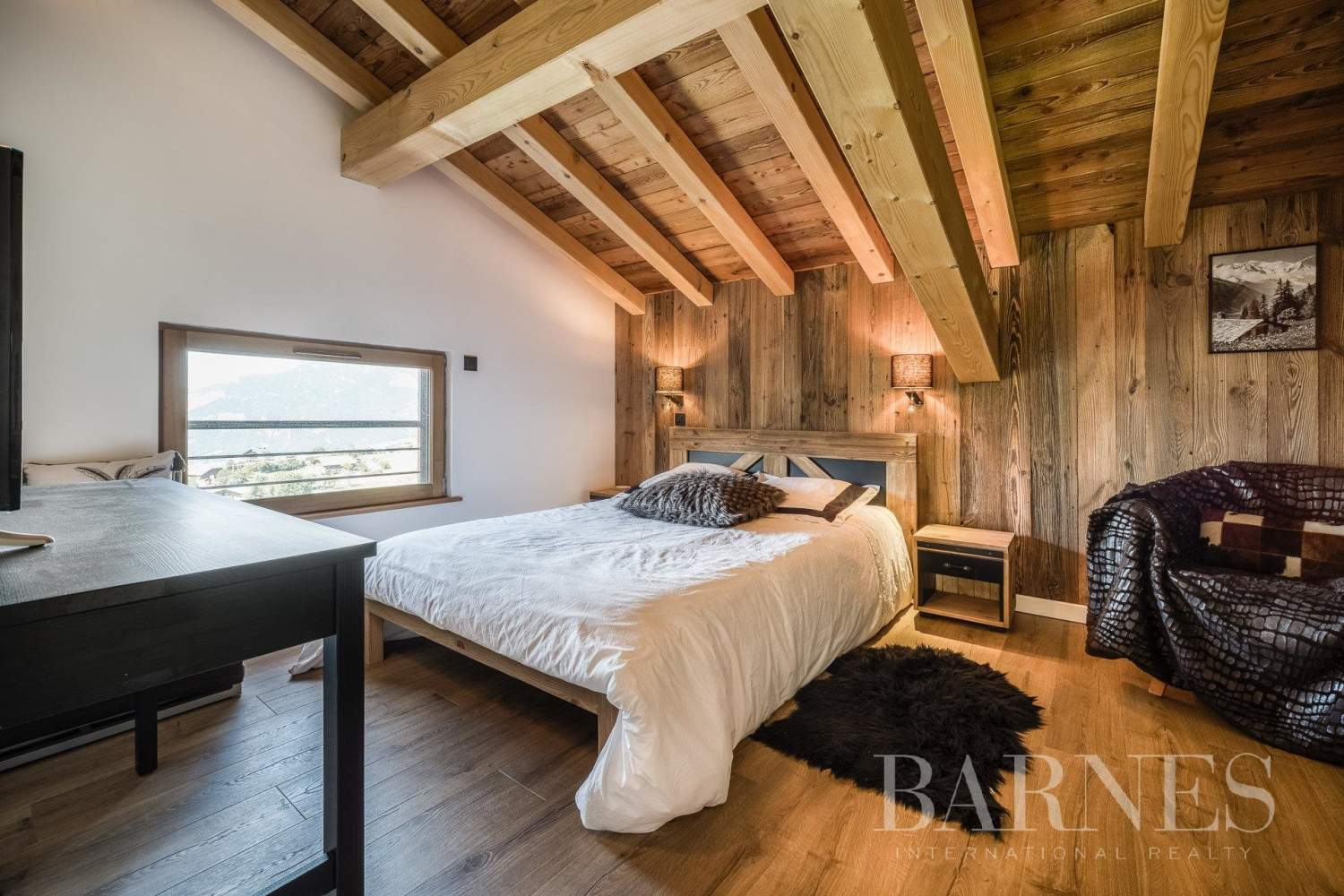 Exclusive to Barnes - Stunning ski-in chalet situated on La Princesse ski slopes picture 8