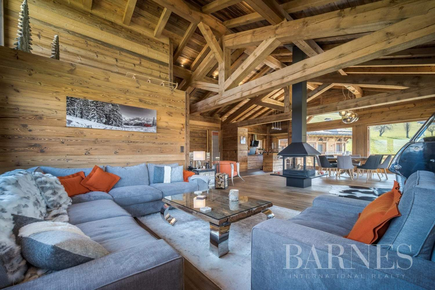 Lovely chalet filled with sunlight situated near La Princesse ski slopes picture 1