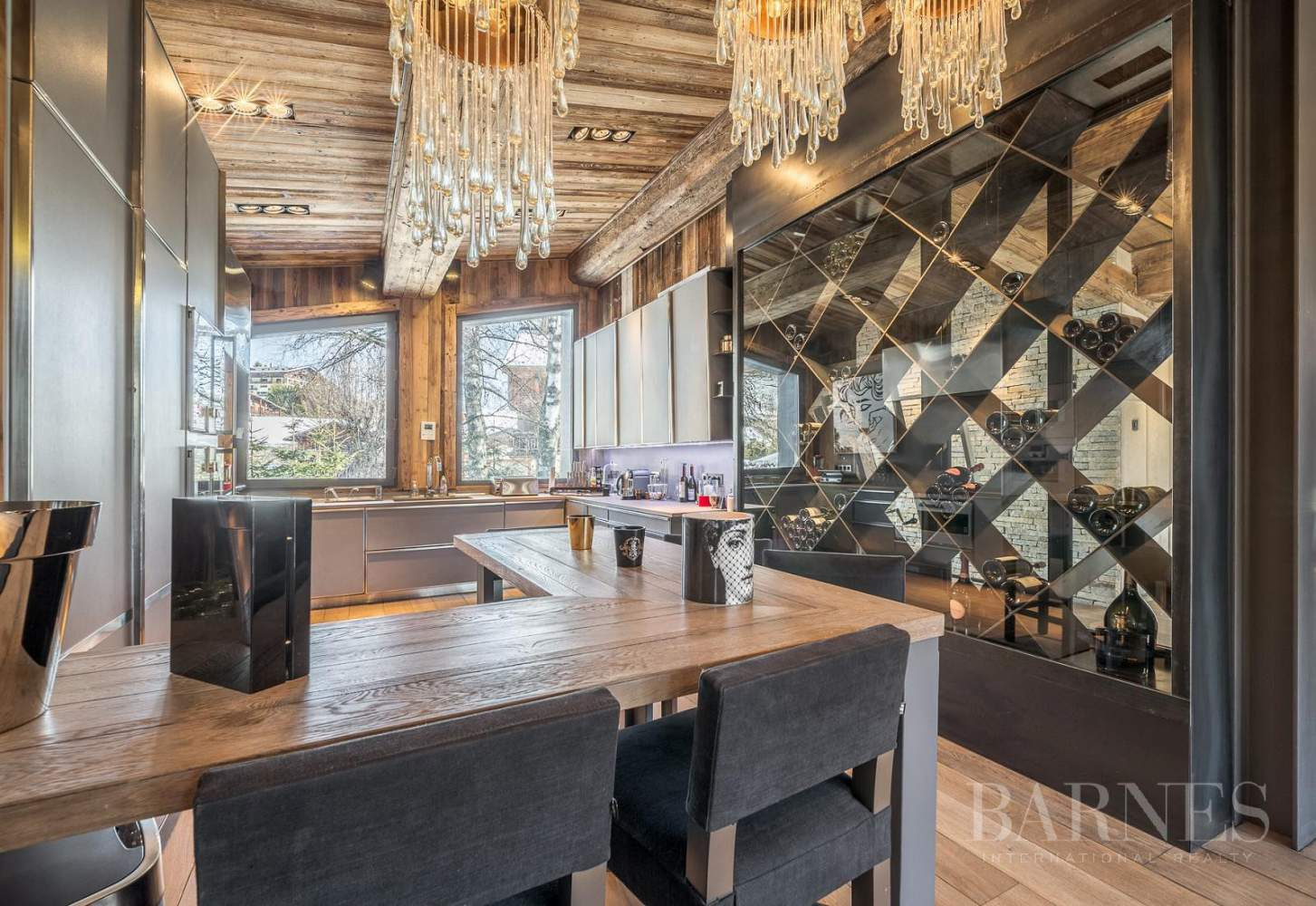 Stunning luxury chalet picture 2