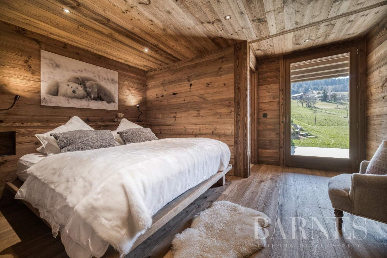 Lovely chalet filled with sunlight situated near La Princesse ski slopes picture 6