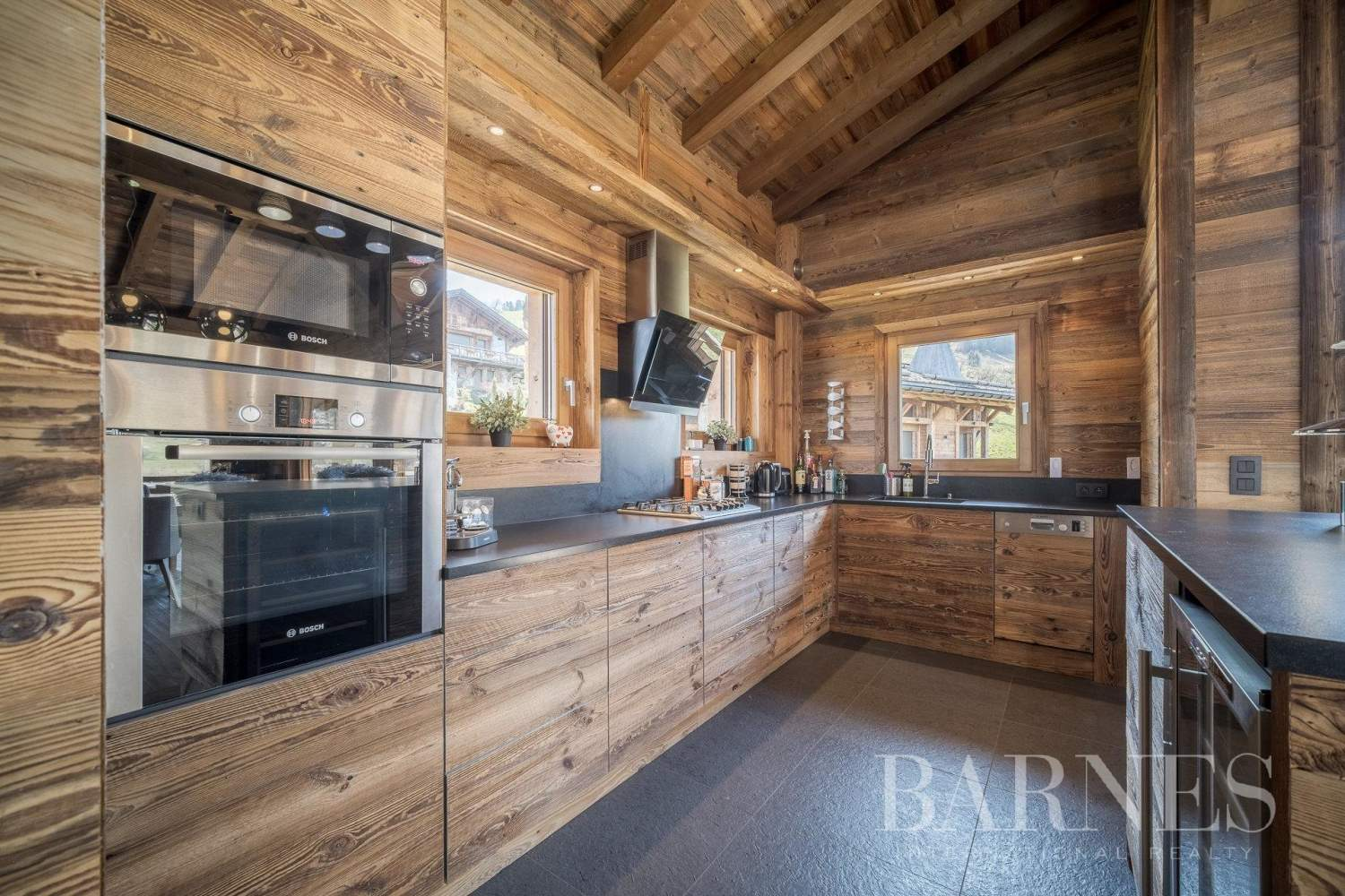 Lovely chalet filled with sunlight situated near La Princesse ski slopes picture 5