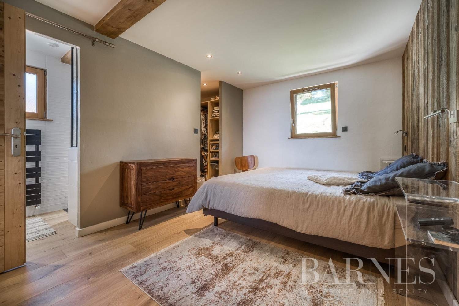 Exclusive to Barnes - Stunning ski-in chalet situated on La Princesse ski slopes picture 6