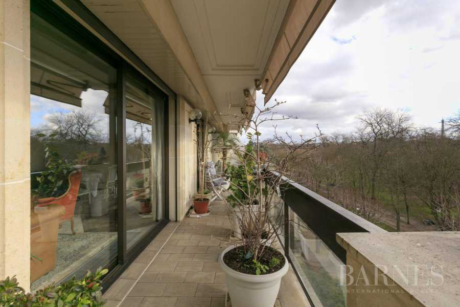 NEUILLY - BOIS - APPARTEMENT 5 PIECES - BALCONS LARGES - VUES PANORAMIQUES picture 15