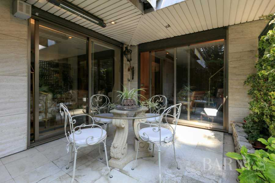 NEUILLY - CHATEAU - JARDIN et TERRASSE - 2/3 CHAMBRES - PARKING picture 13