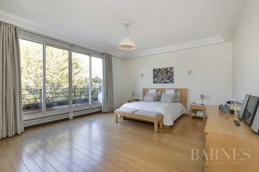 Neuilly-sur-Seine  - House 6 Bedrooms