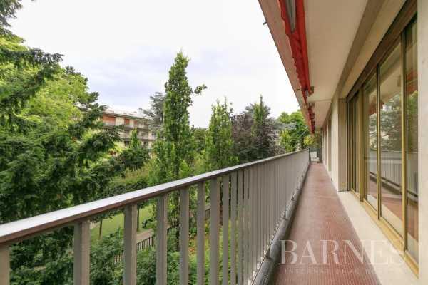 Appartement Neuilly-sur-Seine  -  ref 5807135 (picture 2)