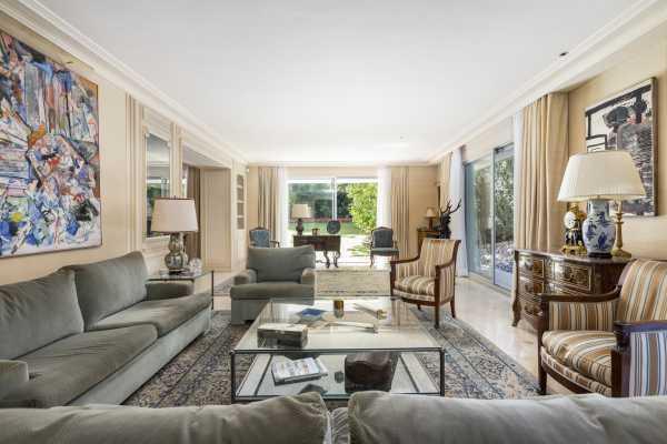 Apartment Neuilly-sur-Seine  -  ref 4363435 (picture 2)