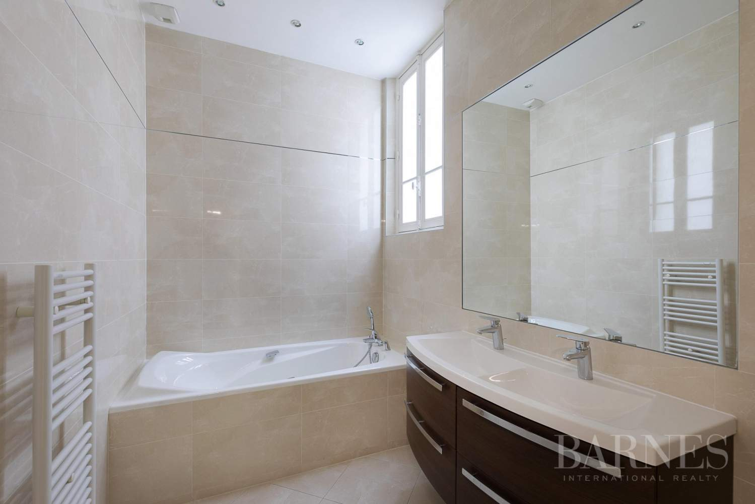 EXCLUSIVE - 8-ROOM APARTMENT FOR SALE - RENOVATED 1930s BUILDING - NEUILLY/PASTEUR picture 17