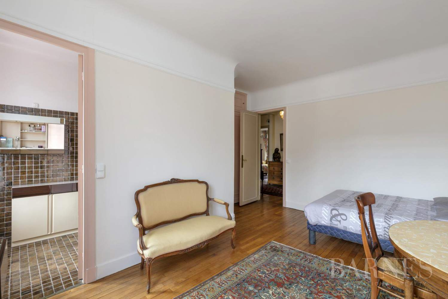 BOURGEOIS HOUSE WITH GARDEN - PRIVATE ROAD - NEUILLY/SAINT-JAMES picture 16