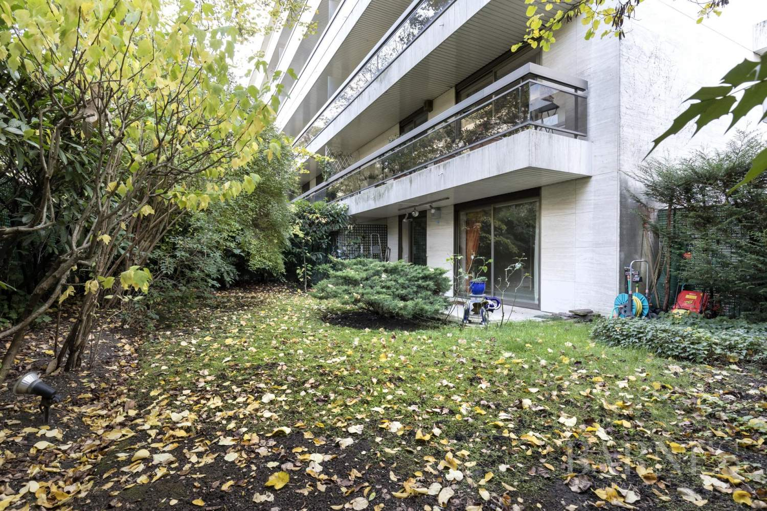 NEUILLY - JARDIN et TERRASSE - 2/3 CHAMBRES - PARKING picture 8