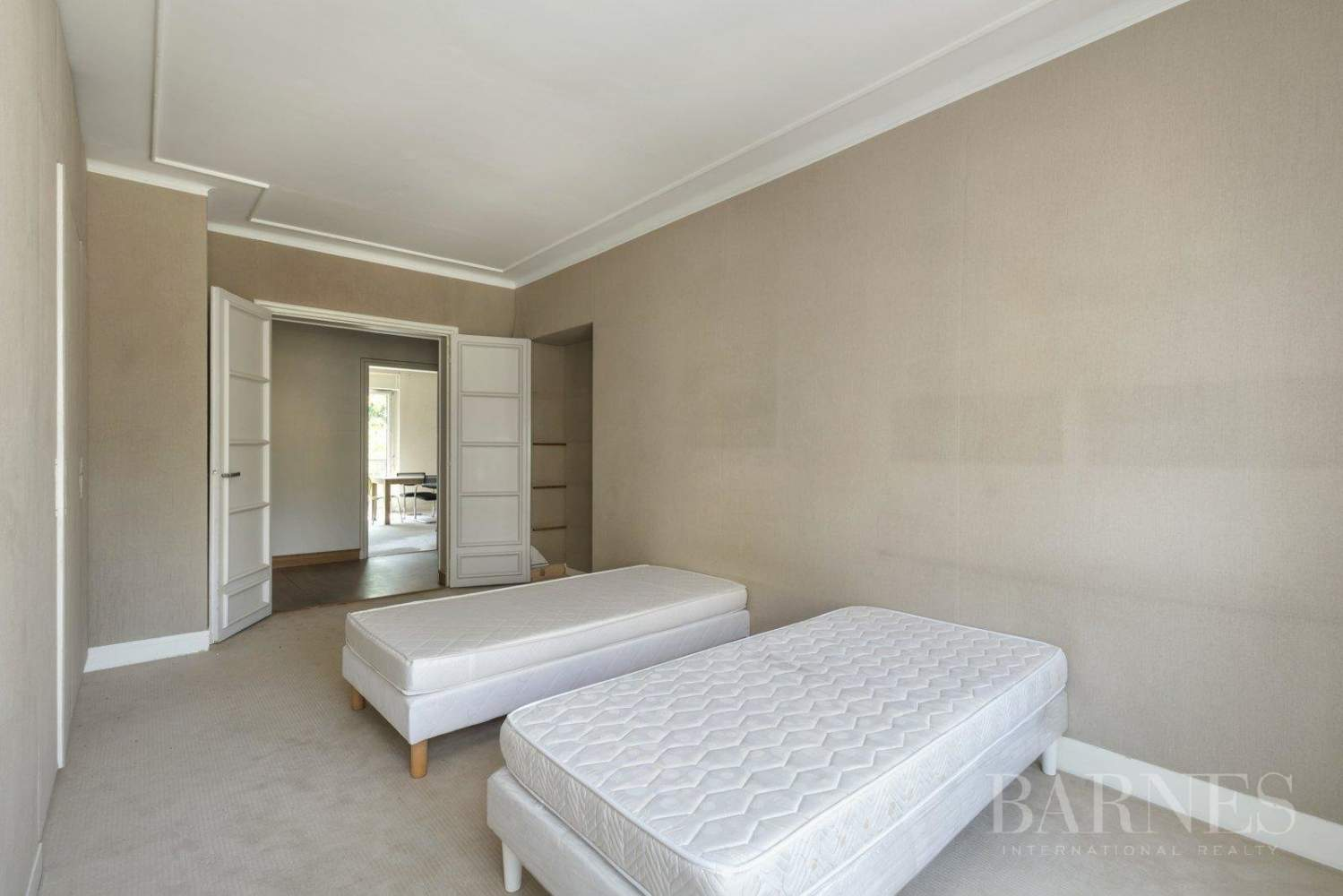 3-BEDROOM APARTMENT - CLEAR VIEWS - BALCONIES - NEUILLY / CHÂTEAU - NORTIER picture 9