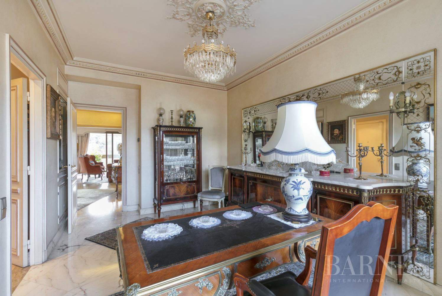 NEUILLY - BOIS - APPARTEMENT 5 PIECES - BALCONS LARGES - VUES PANORAMIQUES picture 11