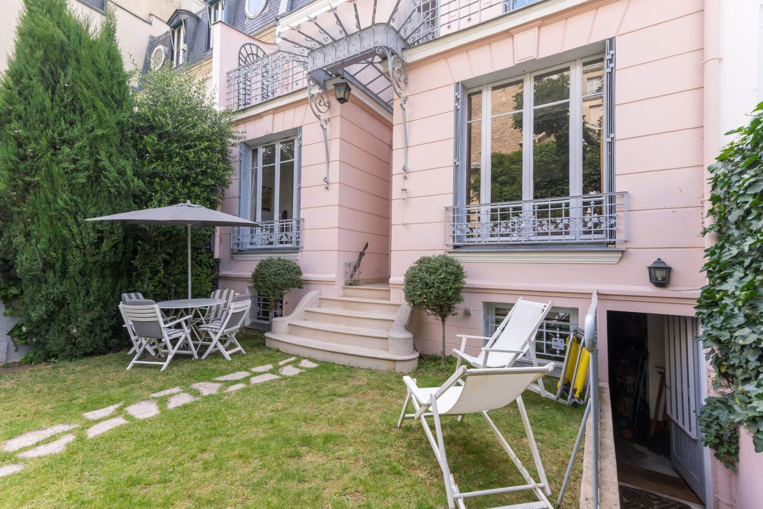 Neuilly-sur-Seine  - Mansion 4 Bedrooms - picture 2