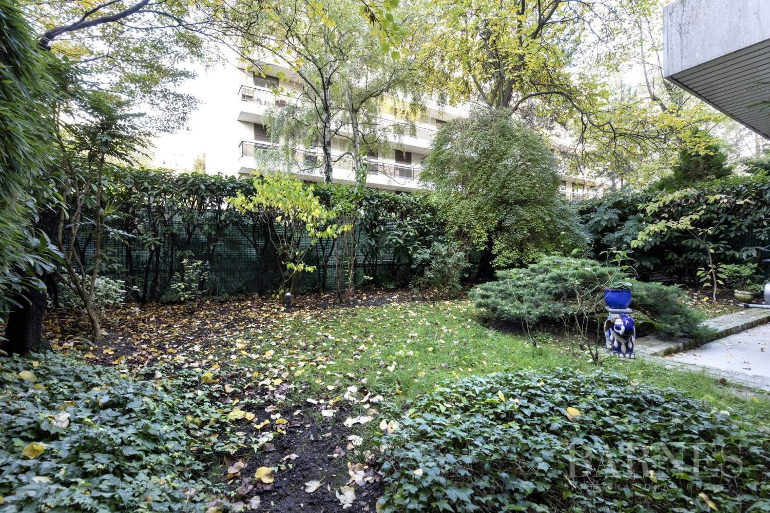 NEUILLY - CHATEAU - JARDIN et TERRASSE - 2/3 CHAMBRES - PARKING picture 7