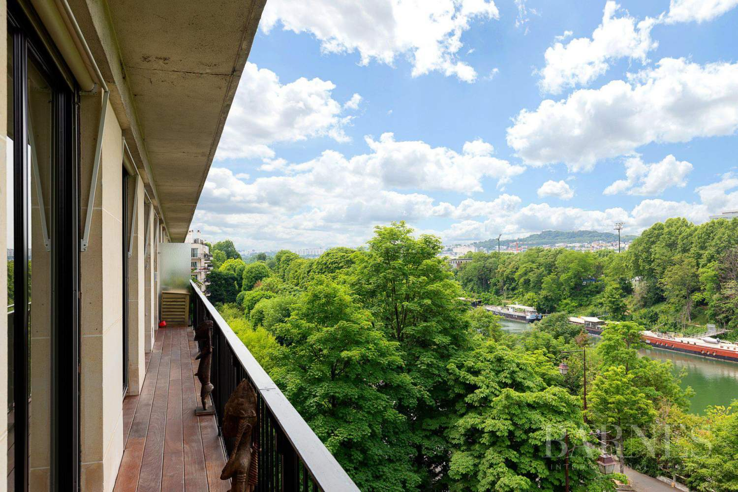 EXCLUSIVE - NEUILLY SAINT-JAMES - APARTMENT WITH RECEPTION ROOMS - UPPER FLOOR - PANORAMIC VIEWS picture 14