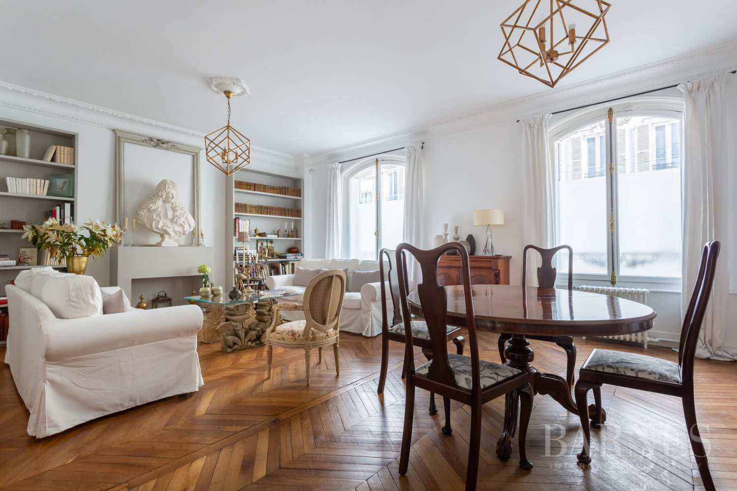 Sole Agent - Neuilly Sablons - Beautiful period parquet, mouldings, fireplace - garden picture 5