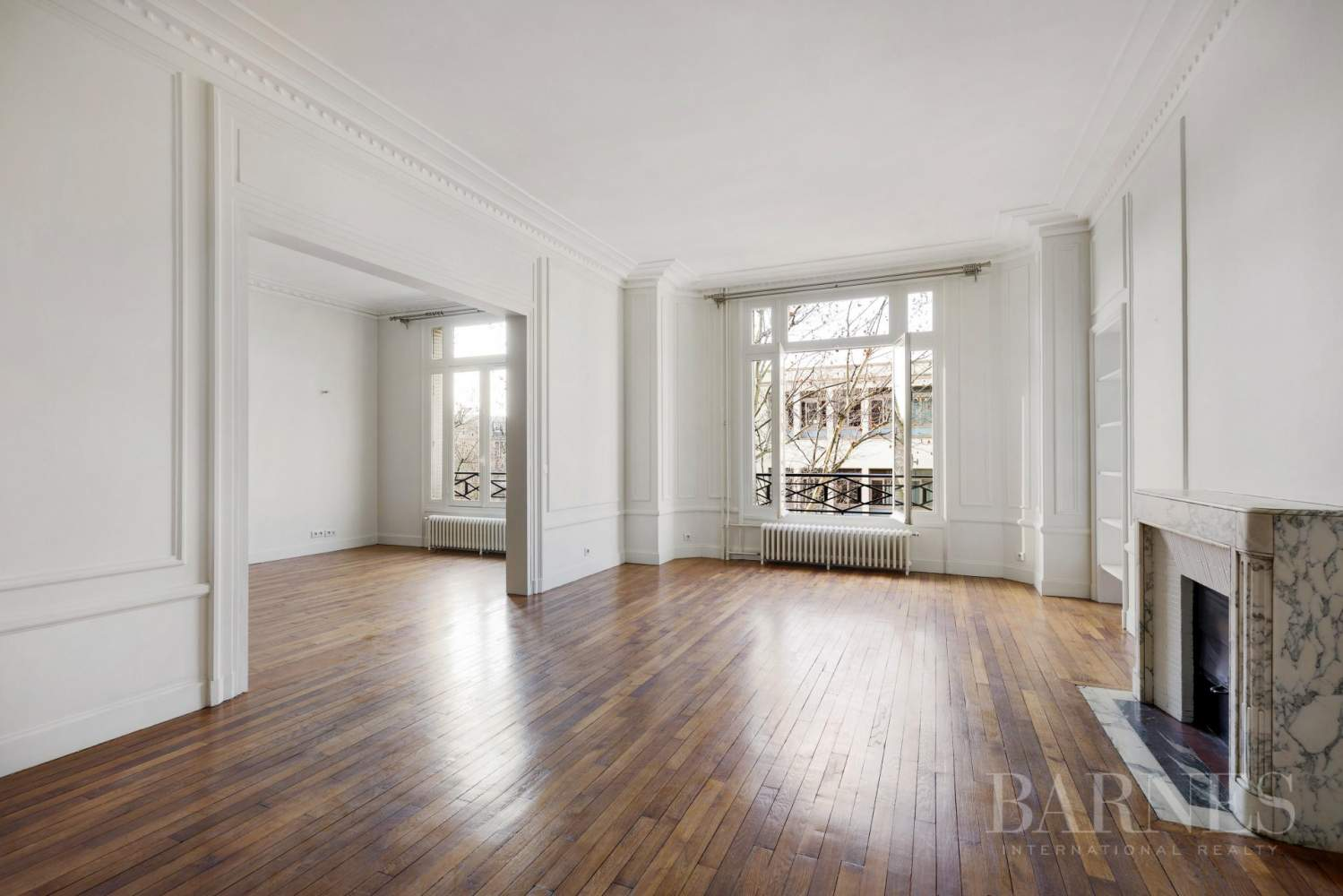 EXCLUSIVE - 8-ROOM APARTMENT FOR SALE - RENOVATED 1930s BUILDING - NEUILLY/PASTEUR picture 13