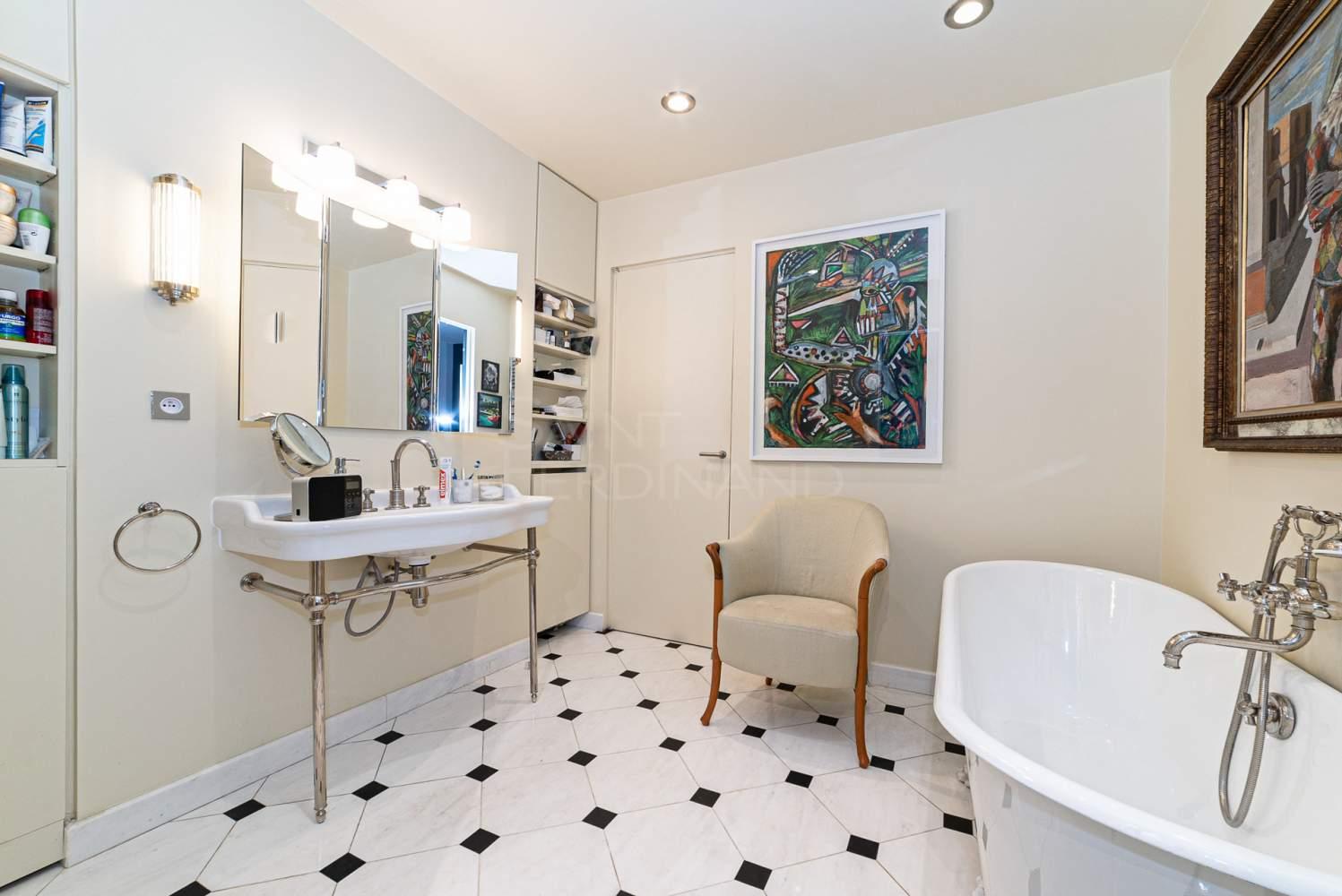 Neuilly-sur-Seine  - Appartement 5 Pièces 2 Chambres - picture 8