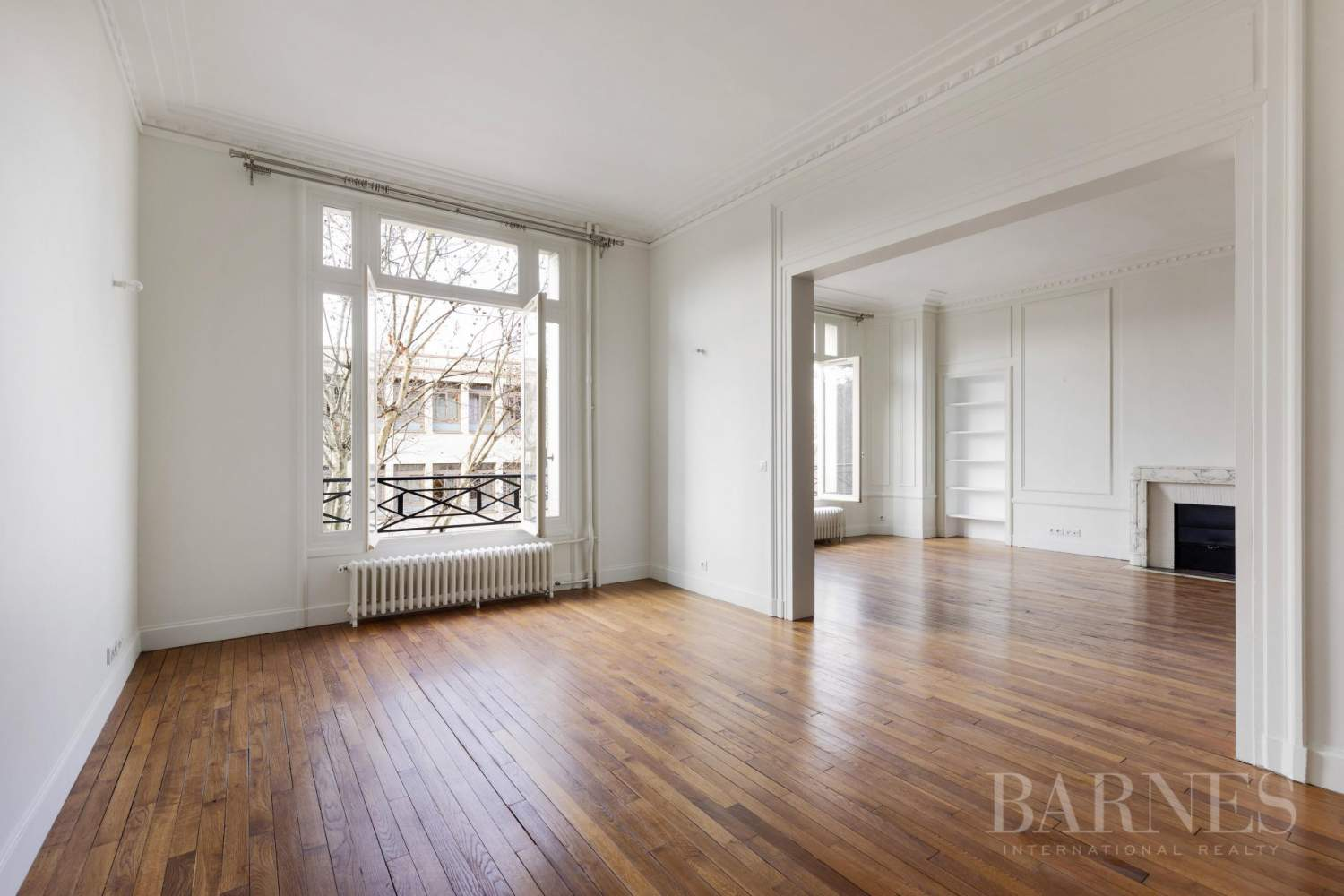EXCLUSIVE - 8-ROOM APARTMENT FOR SALE - RENOVATED 1930s BUILDING - NEUILLY/PASTEUR picture 12