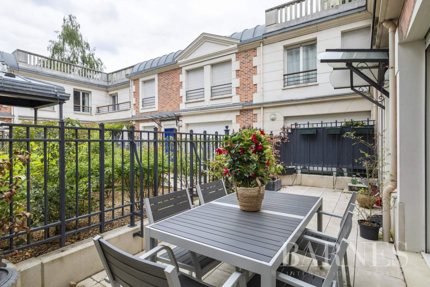Levallois-Perret  - House 3 Bedrooms - picture 1