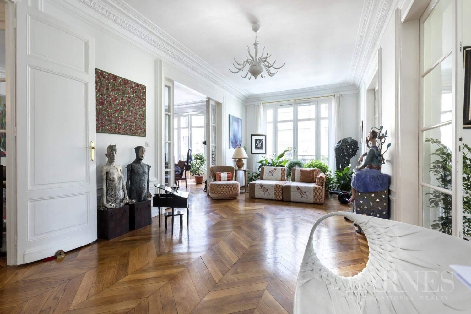 Neuilly - Achille Peretti-Mairie -  4-bedroom apartment - Unobstructed views picture 3