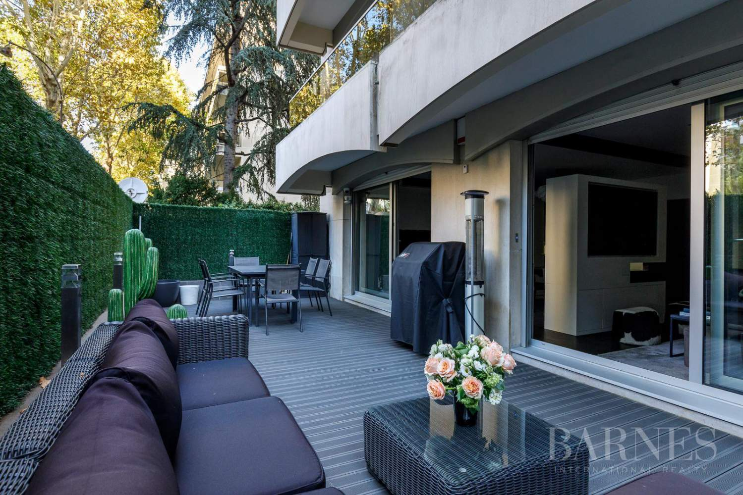 NEUILLY - CHEZY - PERRONET - APPARTEMENT TERRASSE picture 1