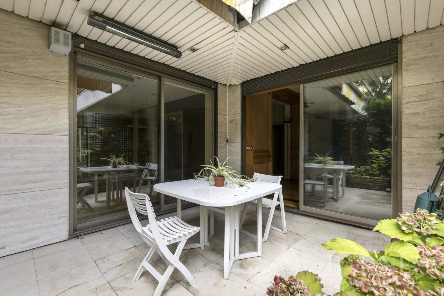 NEUILLY - CHATEAU - JARDIN et TERRASSE - 2/3 CHAMBRES - PARKING picture 5