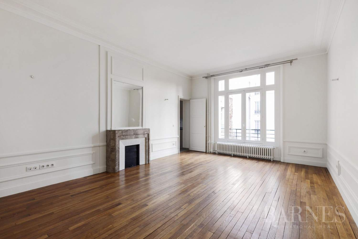 EXCLUSIVE - 8-ROOM APARTMENT FOR SALE - RENOVATED 1930s BUILDING - NEUILLY/PASTEUR picture 15