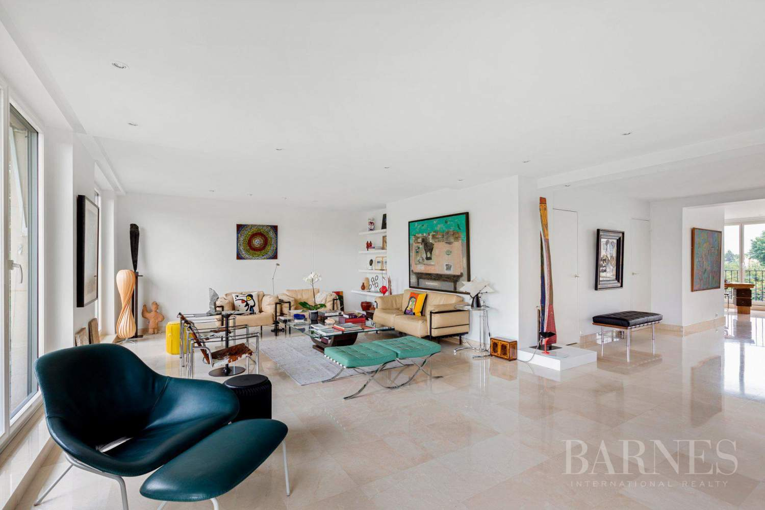 EXCLUSIVE - NEUILLY SAINT-JAMES - APARTMENT WITH RECEPTION ROOMS - UPPER FLOOR - PANORAMIC VIEWS picture 1