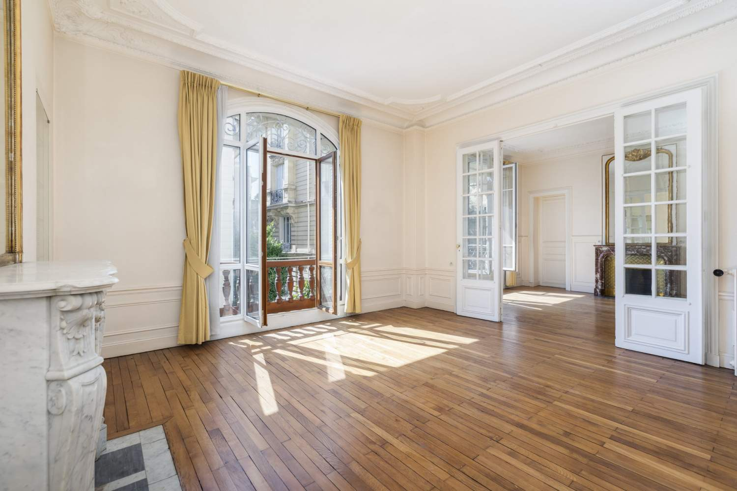 Neuilly-sur-Seine  - Apartment 3 Bedrooms - picture 1