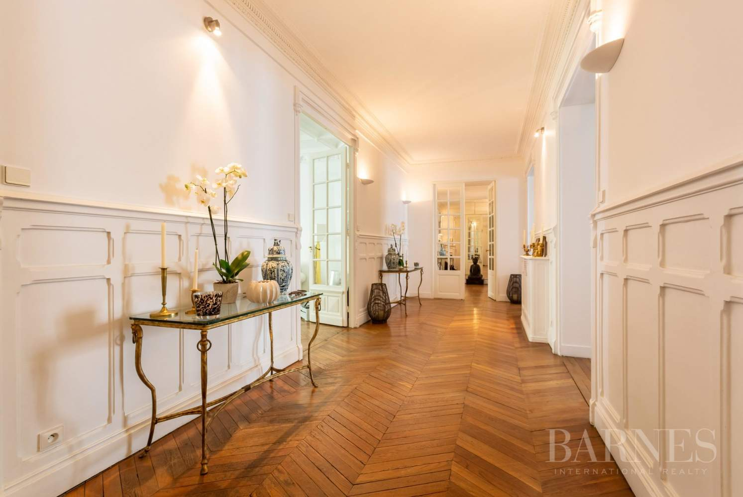 Sole Agent - Neuilly Sablons - Beautiful period parquet, mouldings, fireplace - garden picture 1